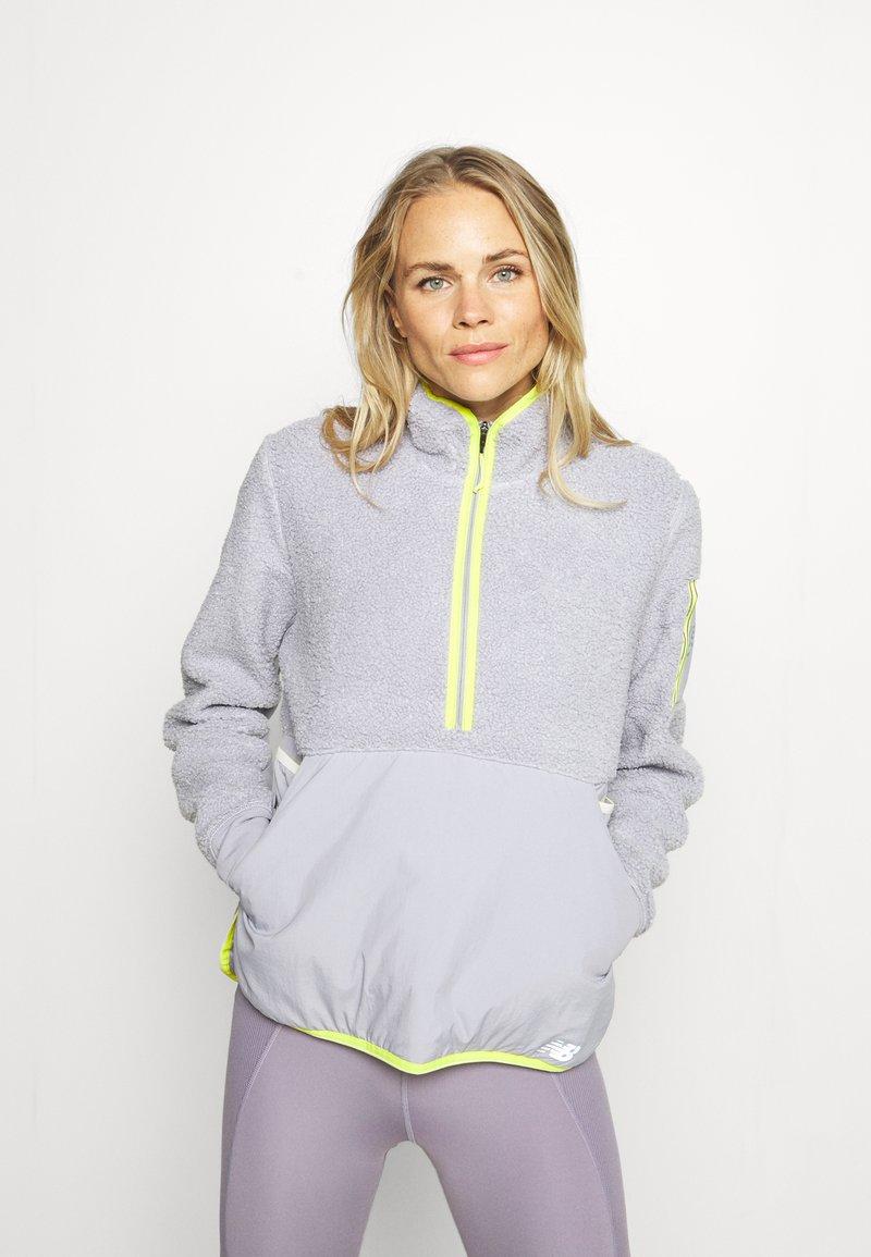 New Balance - Q SPEED ANORAK - Sports jacket - whisper grey
