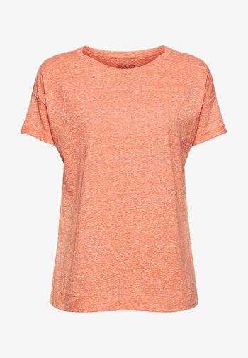 PER COO CLOUDY - Basic T-shirt - orange red