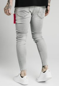SIKSILK - DISTRESSED  WITH ZIP DETAIL - Jeans Skinny Fit - grey - 2