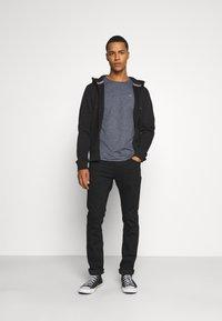 Tommy Jeans - SLIM JASPE C NECK - Basic T-shirt - twilight navy - 1