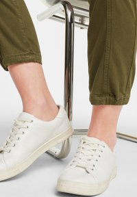 comma casual identity - Trousers - khaki - 4