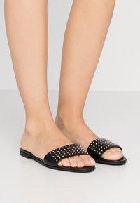 HUGO - JANIS SLIDE - Pantofle - black - 0