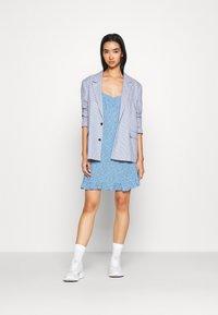 Miss Selfridge - DITSY SWEETHEART DRESS - Day dress - blue - 1