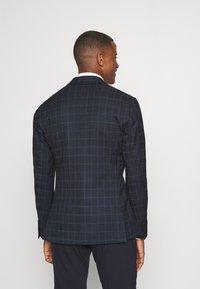 Isaac Dewhirst - THE BLAZER - Blazer jacket - dark blue - 2