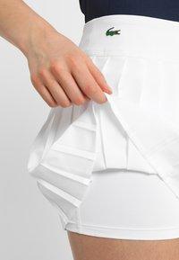 Lacoste Sport - TENNIS SKIRT - Sportovní sukně - white - 3