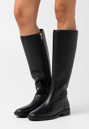 FYNN BOOT - Vysoká obuv - black