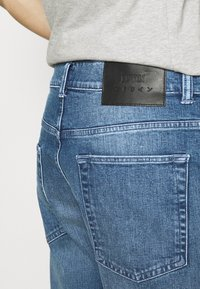 Edwin - UNIVERSE PANT CROPPED - Relaxed fit jeans - blue denim - 3