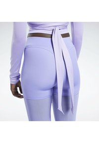Reebok Classic - CARDI B  - Long sleeved top - purple - 4