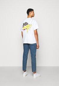 GCDS - TEE - T-shirt imprimé - white - 2