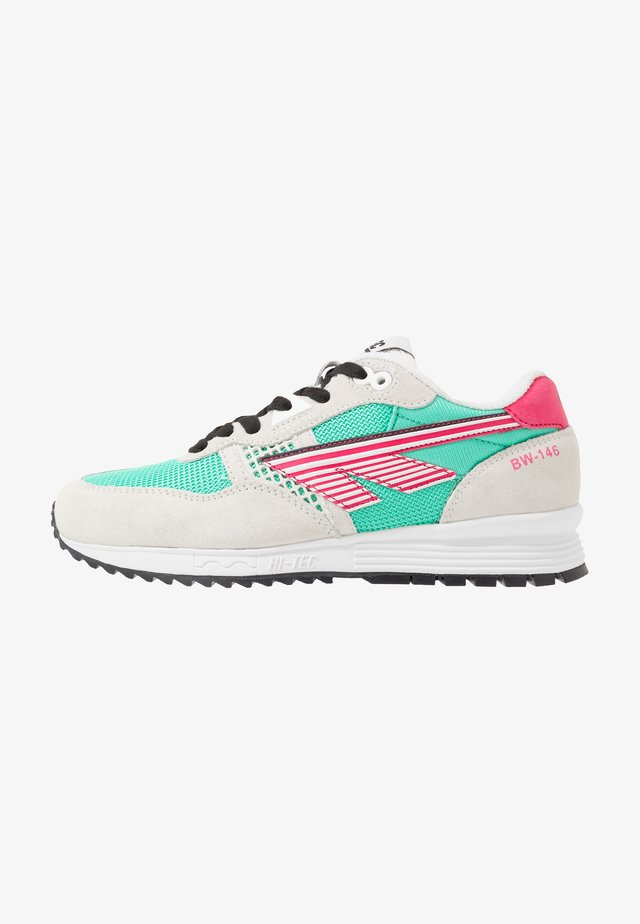 BW 146 - Sports shoes - evergreen/pink