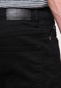 Samsøe Samsøe - TRAVIS  - Slim fit jeans - black rinse - 4