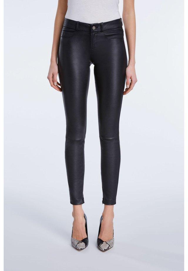 LEDERHOSE DAKOTA - Leather trousers - black