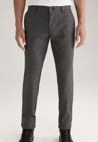 JOOP! Jeans - Trousers - schwarz/navy/braun - 0