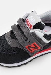 New Balance - IV574SM2 - Trainers - black - 5