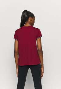 Tommy Hilfiger - FASHION PERFORMANCE TOP - Sports shirt - rouge - 2
