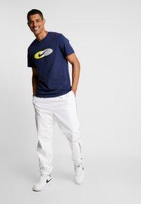 Nike Sportswear - SUBSET TEE - T-shirts print - midnight navy/black/hyper royal - 1
