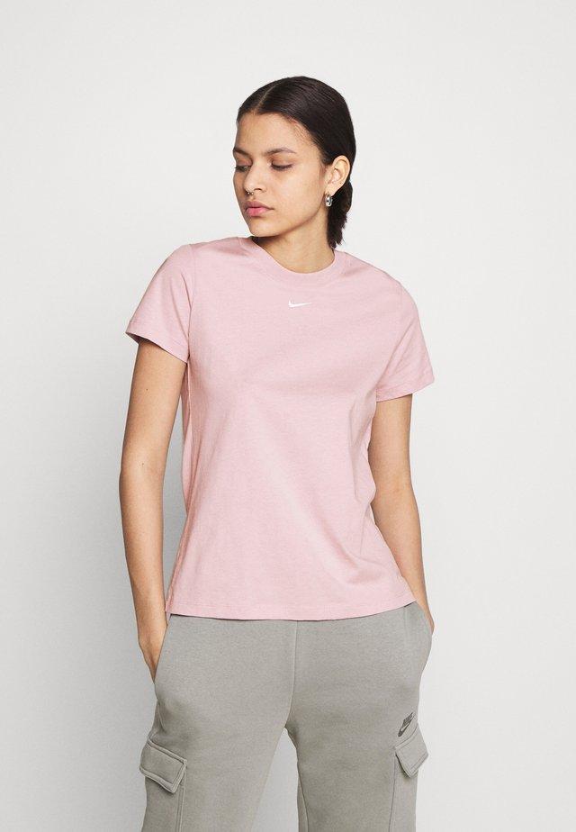 TEE CREW - Jednoduché triko - light pink