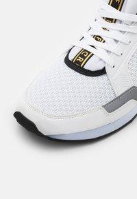 Cruyff - MAXI - Trainers - white - 5
