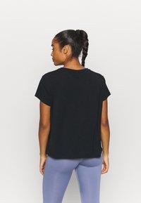 Varley - TILDEN  - T-shirt basic - black - 2