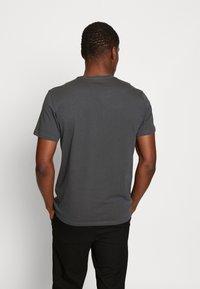 s.Oliver - Print T-shirt - volcano - 2
