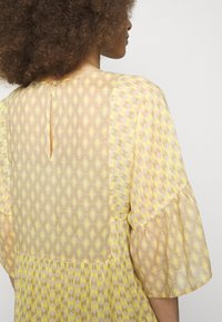 CLOSED - TENNIE - Day dress - strong mustard - 5