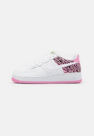 AIR FORCE 1 '07 - Matalavartiset tennarit - white/pink rise/barely volt/black