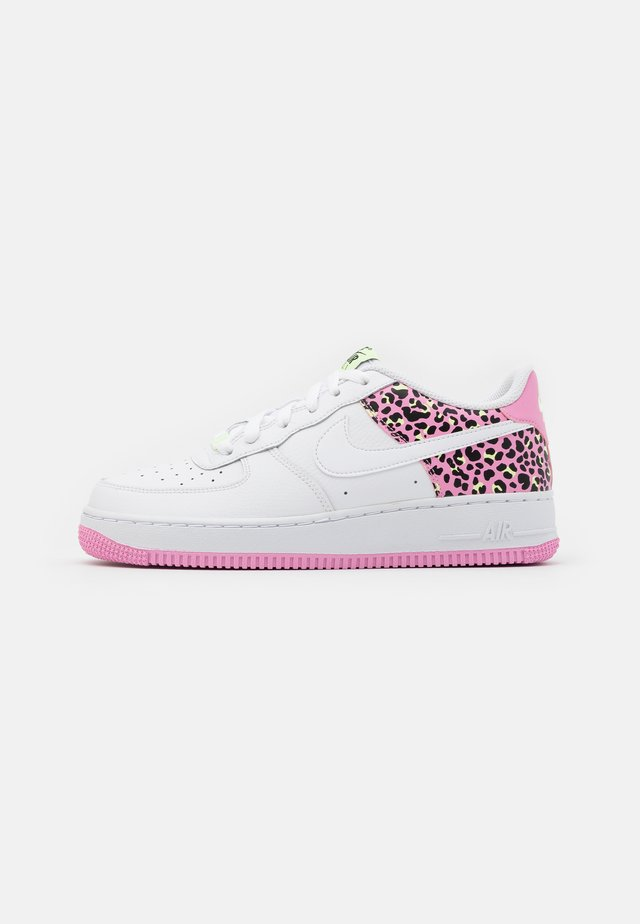 AIR FORCE 1 '07 - Sneakersy niskie - white/pink rise/barely volt/black