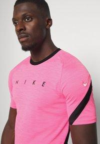 Nike Performance - DRY ACADEMY TOP - T-shirt print - hyper pink/black/white - 4
