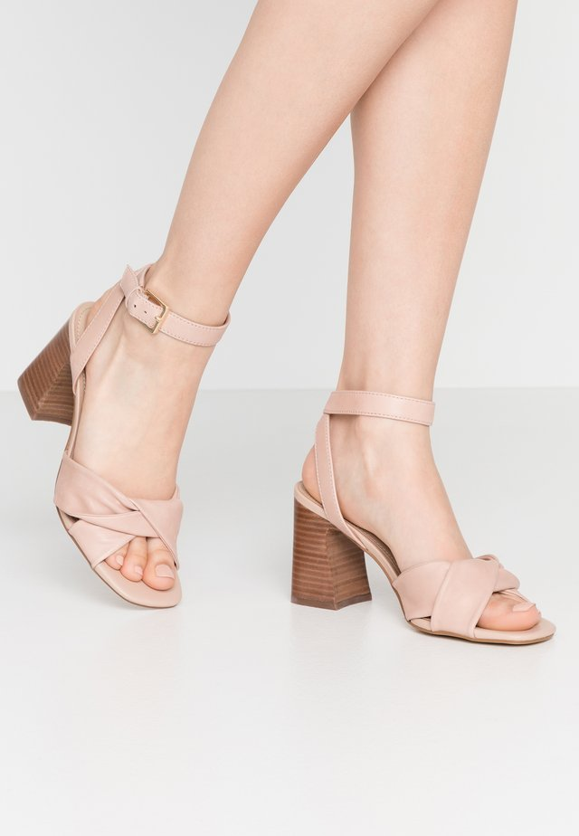 LAEVIA - Sandals - bone