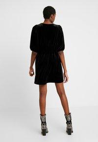 Monki - TIBBY DRESS - Robe d'été - black dark - 3