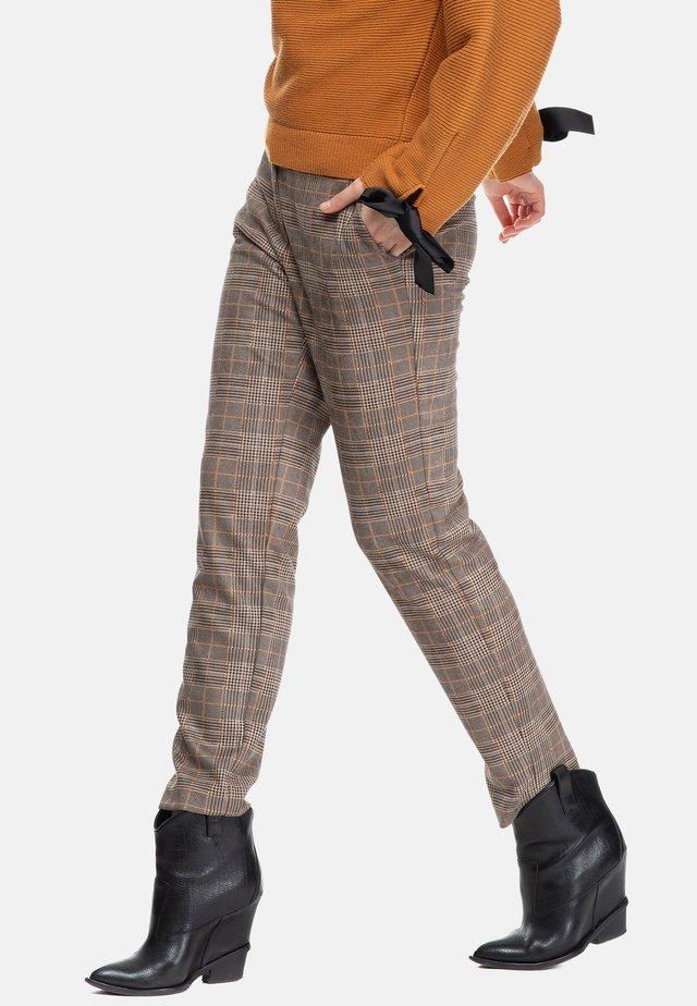 Trousers - orange wales