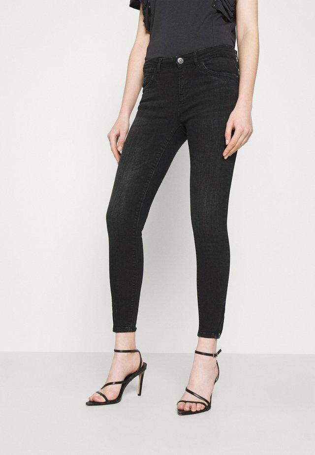 ONLKENDELL  - Jeans Skinny Fit - black denim