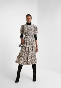 LK Bennett - REGO - Denní šaty - leopard - 1