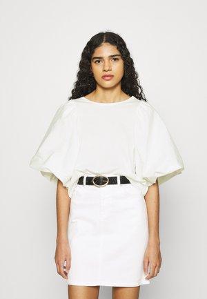 SLFADRIANNA TEE - Print T-shirt - snow white