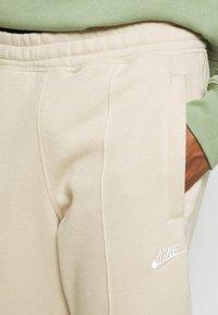 Nike Sportswear - PANT  - Pantaloni sportivi - grain - 4
