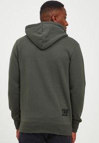 Solid - BENE - Zip-up sweatshirt - climb ivy - 2