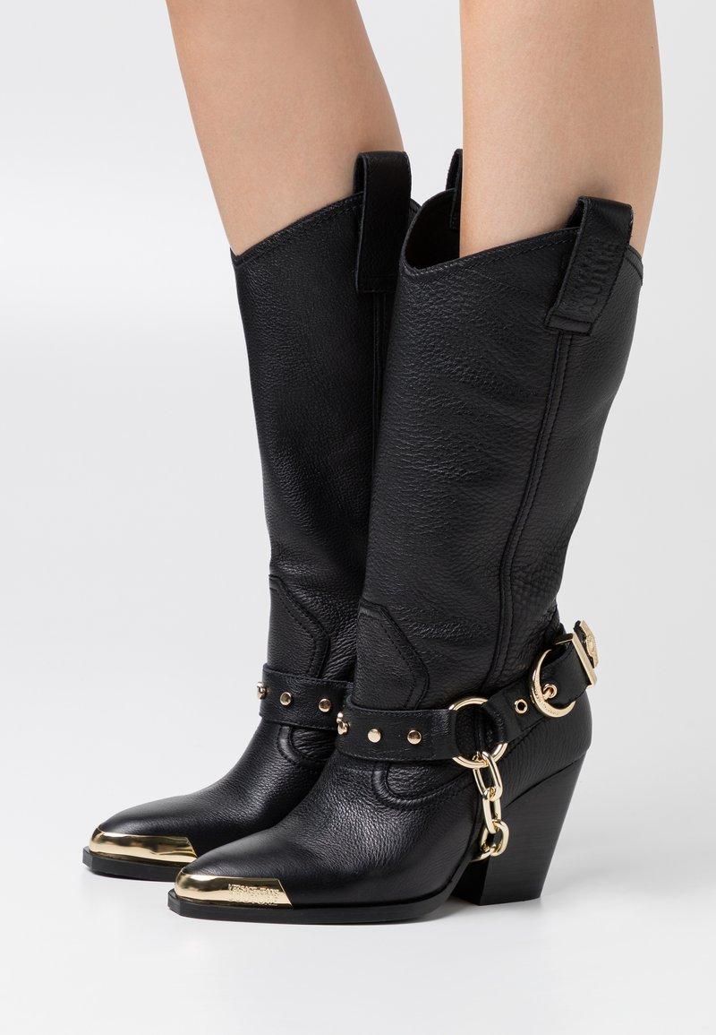 Versace Jeans Couture - Botas camperas - nero