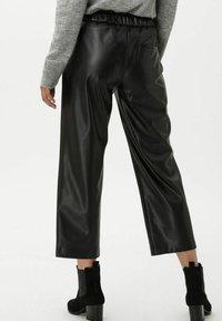 BRAX - STYLE MAINE S - Trousers - black - 2