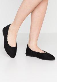 Skechers Wide Fit - CLEO - Ballet pumps - black - 0