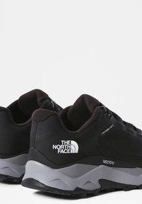 The North Face - W VECTIV EXPLORIS FUTURELIGHT - Hiking shoes - tnf black meld grey - 2