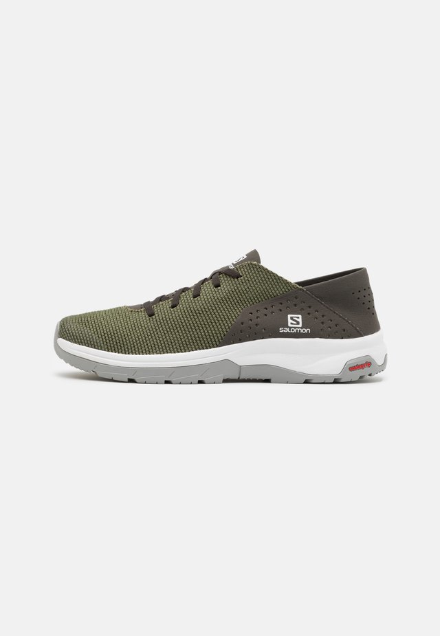 TECH LITE - Promenadskor - deep lichen green/peat/alloy
