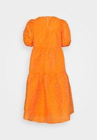 YAS - YASSOLERO HI LOW DRESS - Vardagsklänning - orange peel - 7