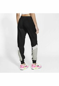 Nike Sportswear - Jogginghose - black/grey heather/white/(white) - 1