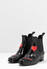Love Moschino - RAIN LOVE TAG - Wellies - black - 4