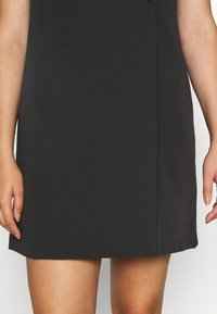 CAPSULE by Simply Be - TAILORED DRESS - Shift dress - black - 6