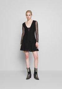 Stevie May - GALLERY MINI DRESS - Denní šaty - black - 1