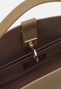 Furla - MARGHERITA TOP HANDLE - Handbag - fango - 2