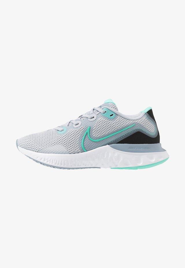 RENEW RUN - Obuwie do biegania treningowe - sky grey/hyper turquoise/obsidian mist/white