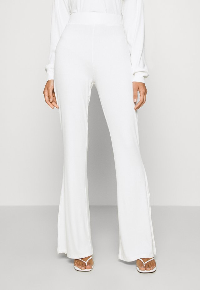 SLIT DETAIL PANTS - Pantalones - white