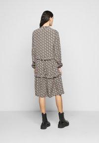Vero Moda Tall - VMSIRI DRESS - Day dress - black - 2